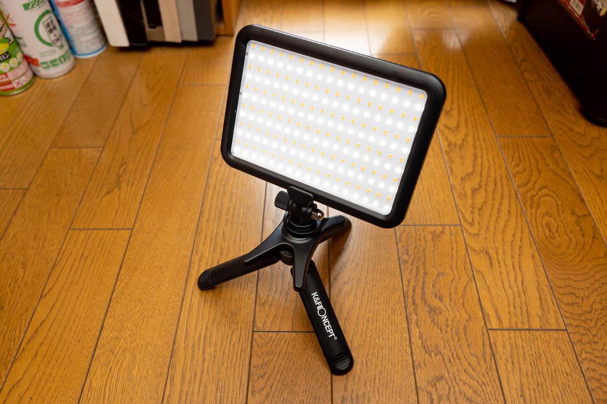 5000円以下で買えるK&F ConceptのLEDビデオライトパネル。